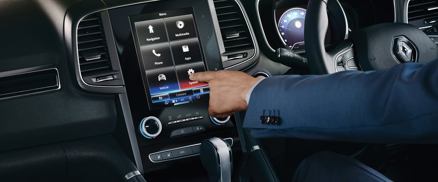 "."" touchscreen sat nav with BOSE® audio system"
