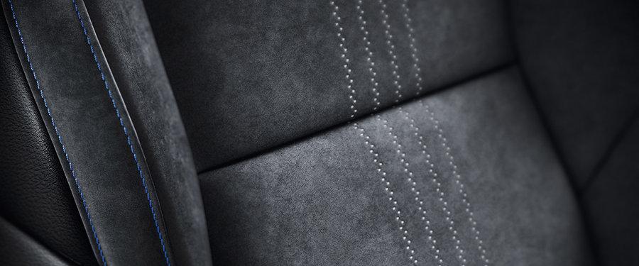 Front heated sports seats with Alcantara upholstery